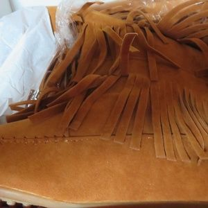 BOOTS- 4 ROW FRINGED INSIDE ZIPPERED SUEDE LEATHER